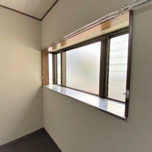 画像:1階洋室4.5帖出窓