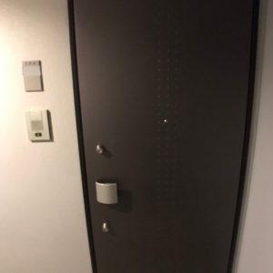 画像:外から見た玄関です。