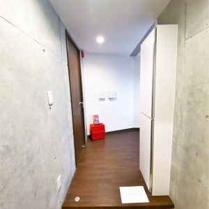 画像:玄関から室内