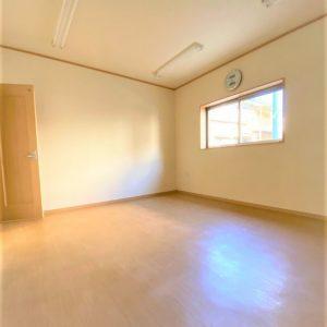 画像:1階10帖洋室(事務所スペース)