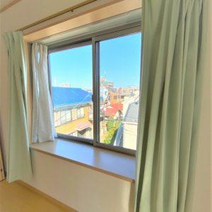画像:3階7.0帖洋室出窓