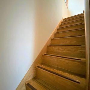 画像:2階への階段